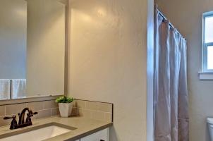 Bathroom-2-1280x768