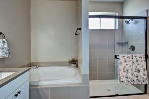 Master-Bath-4-1280x768
